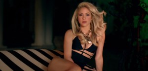 shakira-in-hot-black